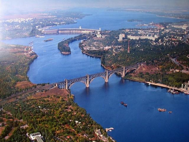 Река Днепр в Днепре